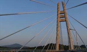 【No.13】夕暮れの大橋
