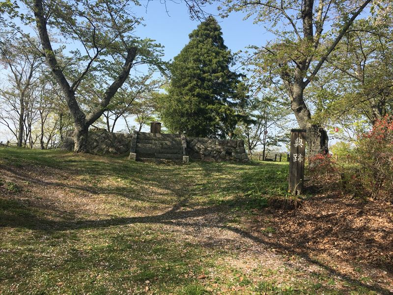 三春城から街を一望!観光にもおすすめのお城山公園|舞鶴城跡